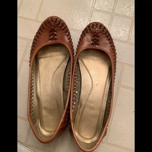 Natural Soul brown woven flats